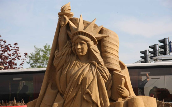 30 Wonderful Sand Sculptures You Love to Watch Closely 1