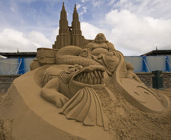 30 Wonderful Sand Sculptures You Love to Watch Closely 9