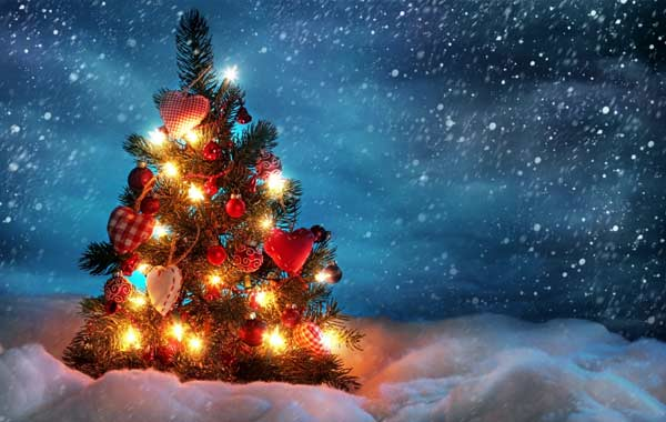 20 Mind-blowing Christmas Wallpapers to Decorate Your Desktop 3